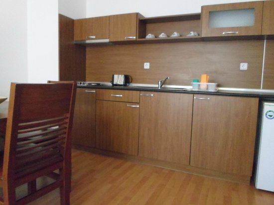 Sunny Day Hotel and Apartments : Кухня в отеле Efir