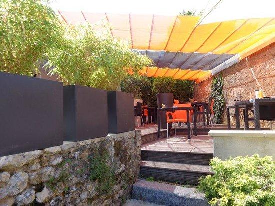 Le 12 Restaurant : Terrasse du restaurant
