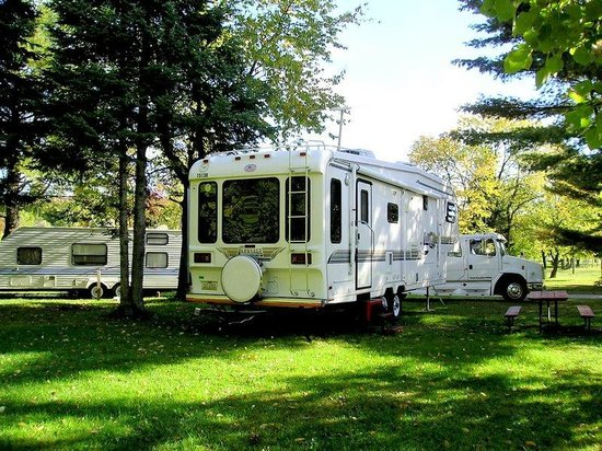 Kritter's Northcountry Campground & Cabins: Big rig friendly!