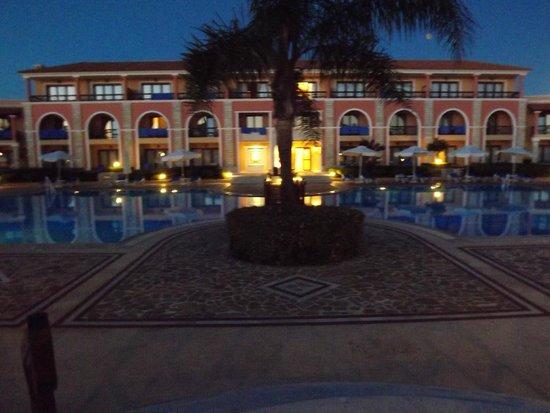 Aldemar Olympian Village: piscina