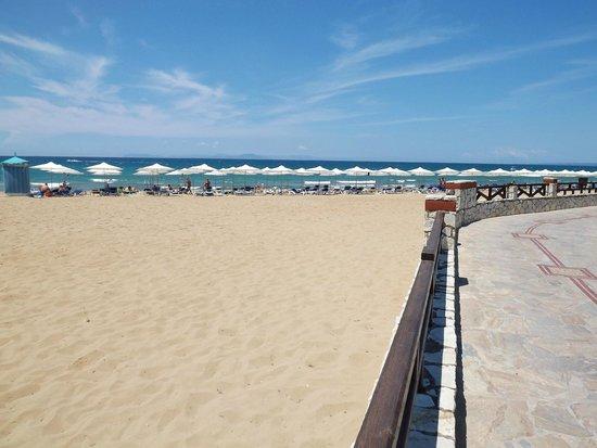 Aldemar Olympian Village: spiaggia