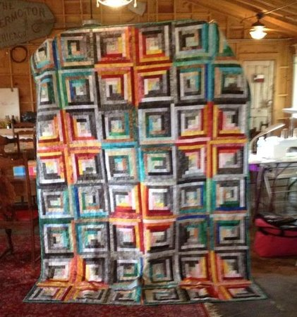 Snyder, TX: Foggy Beach Log Cabin Quilt