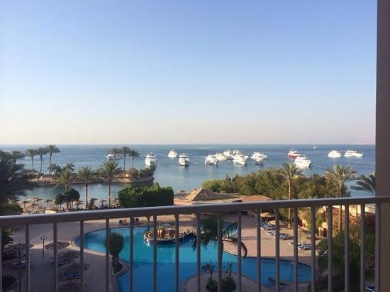 Hurghada Marriott Beach Resort: the view from our room... breath taking...