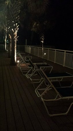 Best Western Plus Grand Strand Inn & Suites: Night on the patio oceanfront