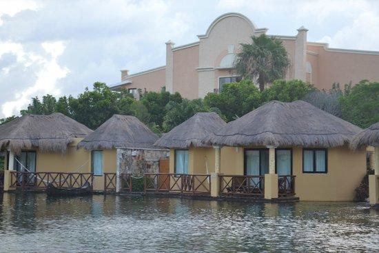 Grand Palladium Kantenah Resort & Spa : mayan villa