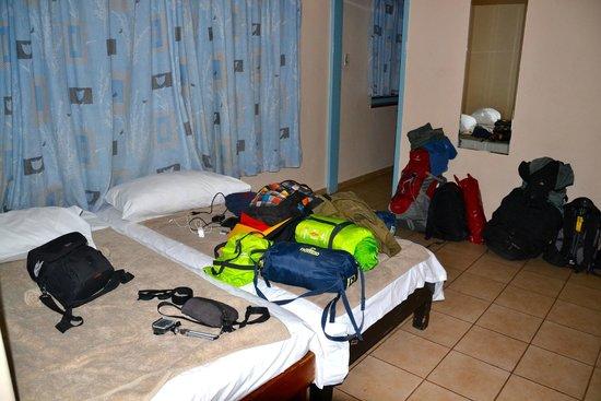 Bed In Woonkamer : Bedden in de woonkamer picture of shark island luderitz