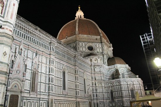 Piazza del Duomo: Night view of Santa Maria del Fiore (Duomo) is the cathedral of Florence built 1436