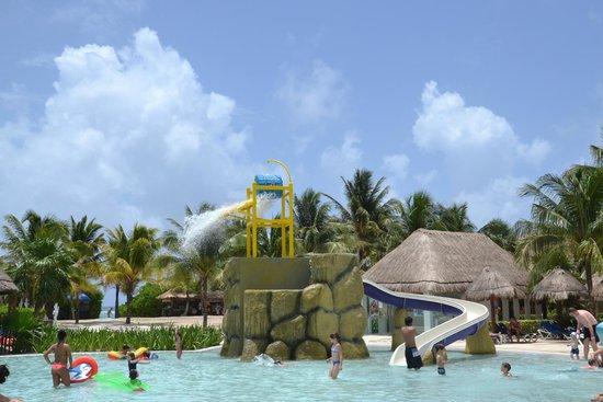 Grand Palladium Kantenah Resort & Spa : детский бассейн