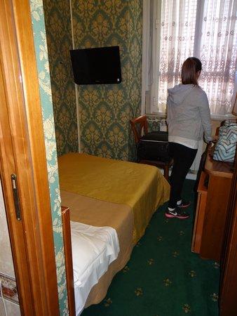 Hotel Virgilio : No se podía ni circular