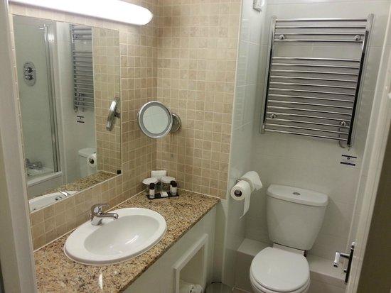 Best Western Premier Hallmark Hotel Preston Leyland: Bathroom
