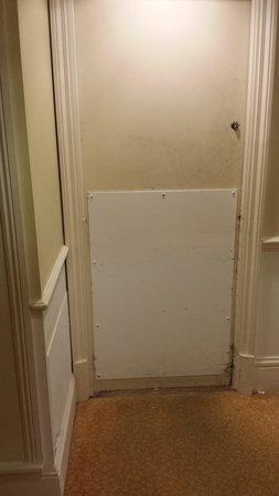 Bristol Marriott Royal Hotel: Is this the dirtiest door in town?