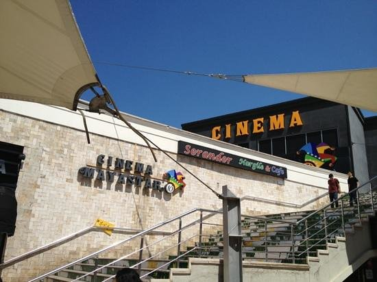 Pendik District, Turquie : Cinema Mayastar
