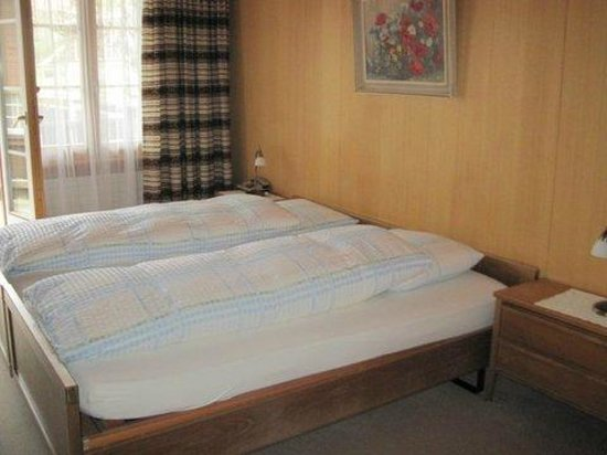 Hotel Kreuz: Sleeping room