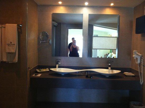 Corfu Mare Boutique Hotel: Bathroom