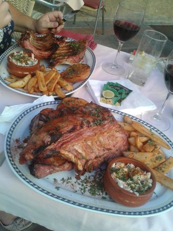 Cala Luna Restaurant: look at them ribs