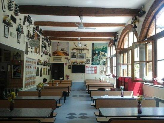 Hostel Archi Rossi: cafe da manha e pizzaria