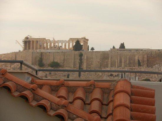 Acropolis Ami Boutique Hotel: Vue de notre terrasse de chambre