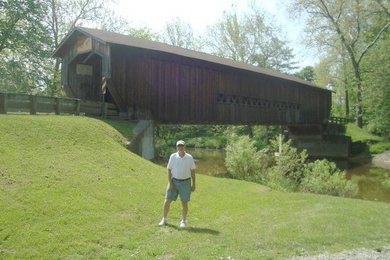 The Lodge at Geneva-on-the-Lake : The covered bridge tour