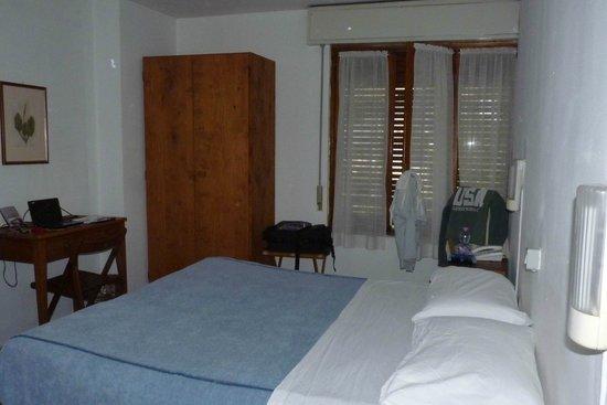 Hotel al Clubino: Camera 31 con netbook che sta ricevendo a 18 Mb/sec