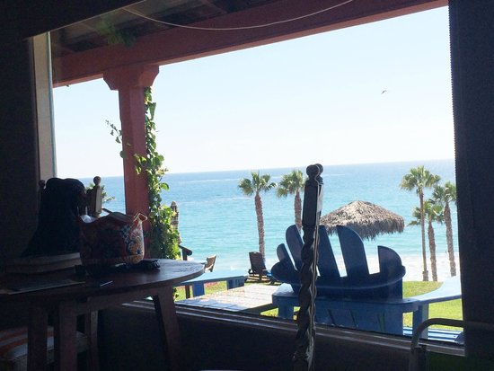Beachcomber Inn: View from bed