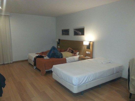 Ibis Lisboa Saldanha: Habitacion x 3 personas
