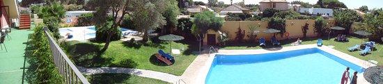 Hotel Pinomar : Zona de piscinas