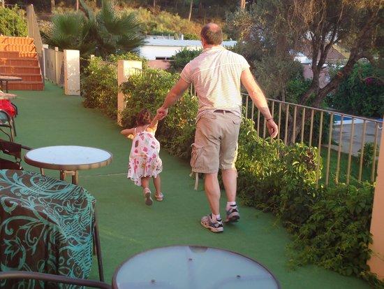 Hotel Pinomar : terraza de las habitaciones