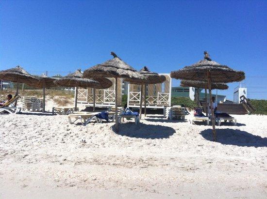 IBEROSTAR Royal El Mansour & Thalasso: Spiaggia con i gazebi