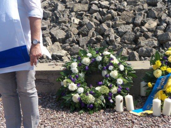 Buchenwald: Wreaths
