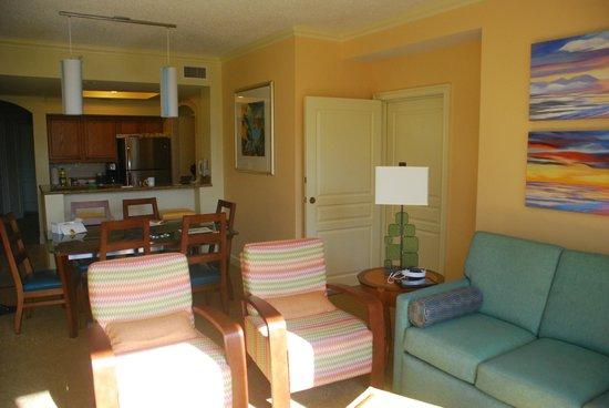 Marriott's Ocean Pointe: Door to lockout room (window's to my back)