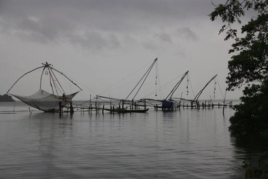 Deshadan Backwater Resort: chinese fishing nets in the vicinity