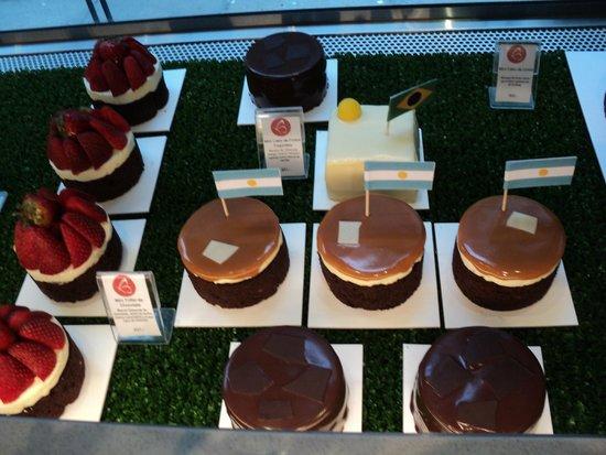 Smeterling Patisserie: exquisitas minicakes en la vidriera de Smeterling