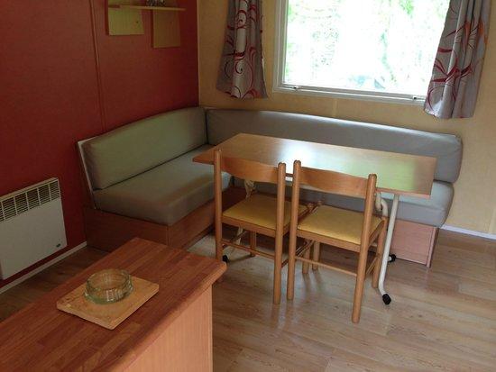 Camping de l'Orangerie de Lanniron : mobile home 2 chambres