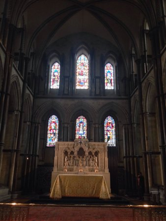 Rochester Cathedral: Altar