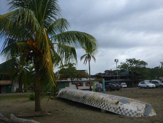 Nicoya, Costa Rica: Pueblo desde la playa