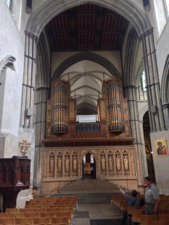 Rochester Cathedral: Entrance