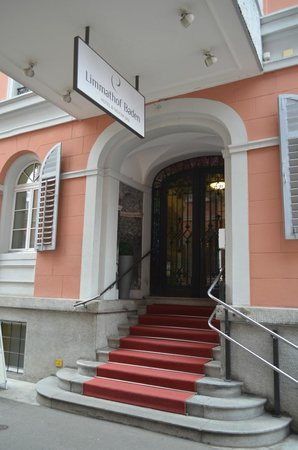 Limmathof Baden Hotel & Spa: L'entrée de l'Hôtel