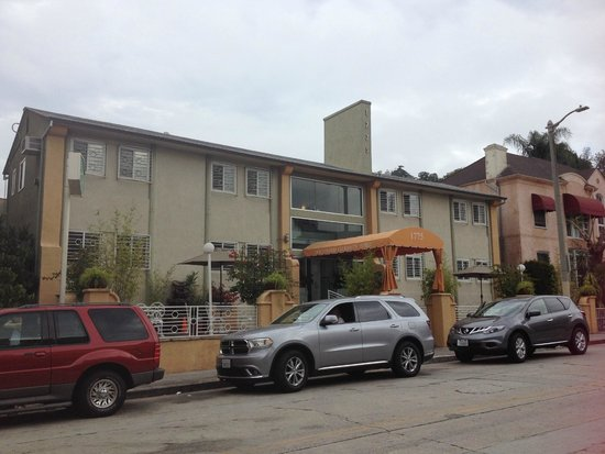 Hollywood Celebrity Hotel: Hotel front view
