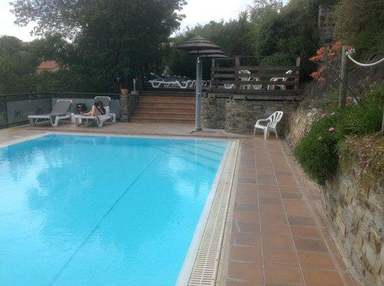 Hôtel Madeloc : la piscine et le solarium