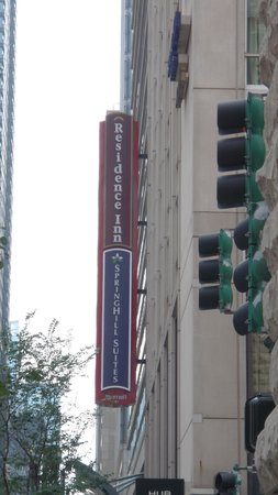 SpringHill Suites Chicago Downtown/River North: signage-look up