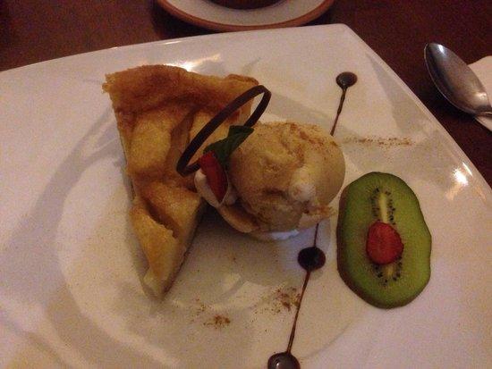 Zig Zag Restaurant: Dessert. Pretty and tasty.