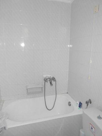 Nireas Hotel: bagno