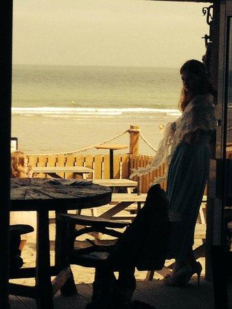 Driftwood Bar & Bistro : Beach View from the Driftwood Restaurant