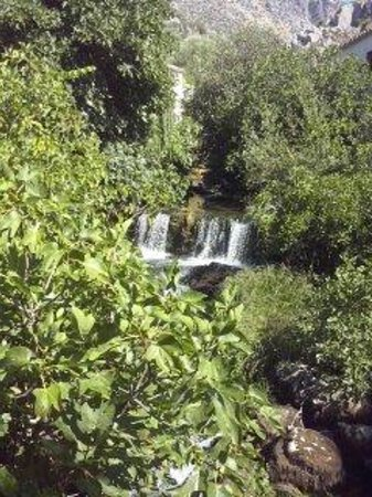 Molino del Santo: The stunning waterfall in the grounds