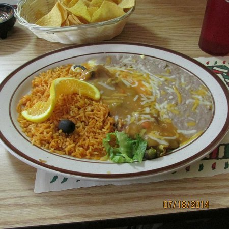 El Paraiso Family Mexican Restaurant: Combination plate
