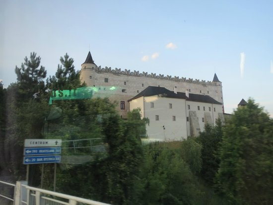 Hotel Polana: Castle across the street