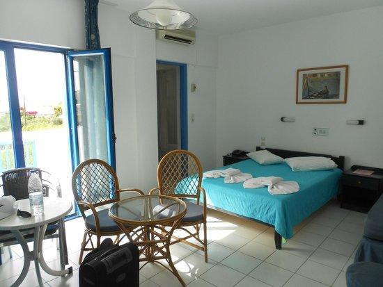 Hara Ilios Hotel : Camera dall'ingresso