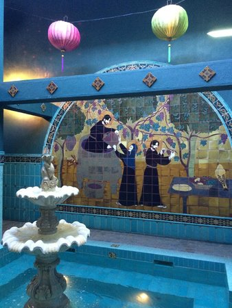 McMenamins Old St. Francis School: Awesome hot soaking pool