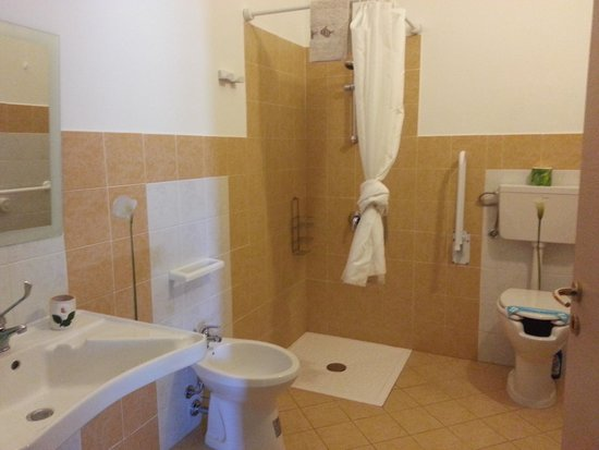 Villa Pia: Bagno per disabili