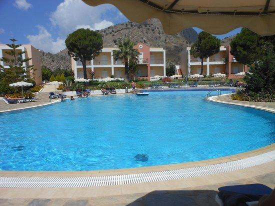Ville di Lindos: piscine et hotel